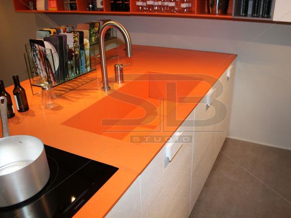 Столешница оранжевая темная столешница под мрамор